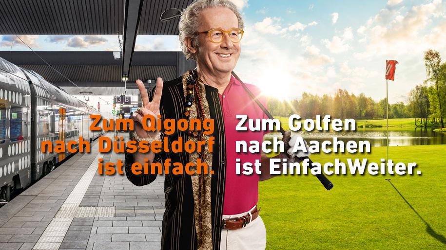 Ein zweigeteiltes Bild, links ist ein Bahnsteig mit einem RRX-Zug zu sehen, rechts ein Golfplatz mit Rasen, in der Mitte steht ein älterer Fahrradfahrer. Auf dem Bild steht der Text: Zum Qigong nach Düsseldorf ist einfach. Zum Golfen nach Aachen ist EinfachWeiter.