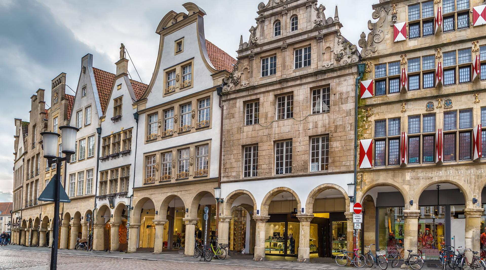 Ansicht des Münster Prinzipalmarkt mt seinen unter Denkmalschutzstehenden Giebelhäusern.